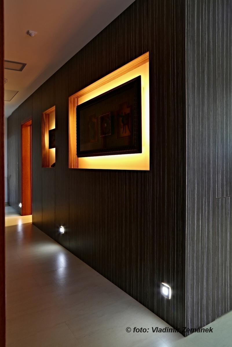 LED osvětlení chodby - obrazy