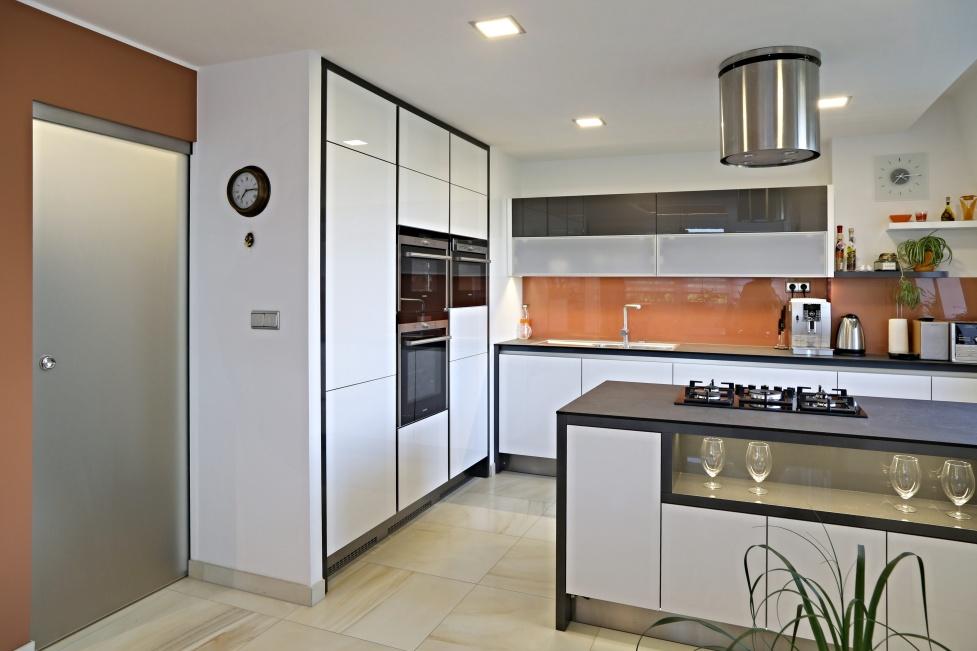 LED osvětlení kuchyně - pracovní deska
